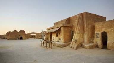 AVENTURA SAHARIANA 4X4 - SEMANA SANTA      -                     Anfiteatro El Djem, Chott el Jerid, Douz, Matmata, Oasis Ksar Ghilane                     Túnez, Yerba, Sfax, Tozeur