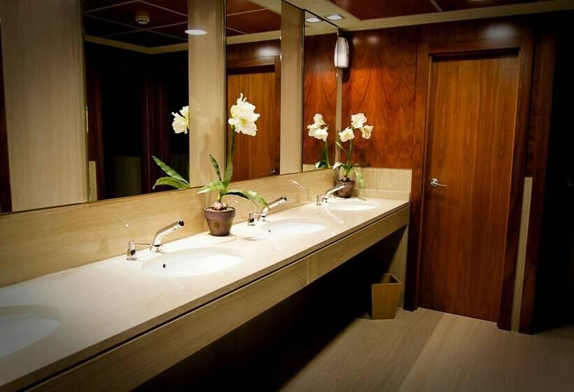 Bathroom Hotel Abba Centrum Alicante