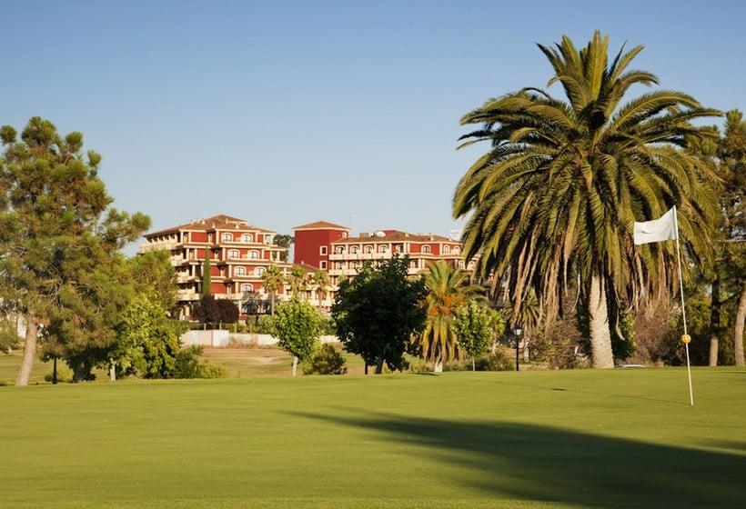 Outside Hotel Ilunion Golf Badajoz