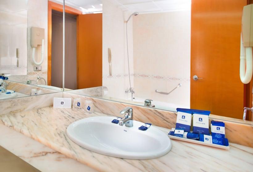 Bathroom Hotel RH Corona del Mar Benidorm