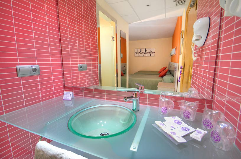 Bathroom Hotel Servigroup Calypso Benidorm