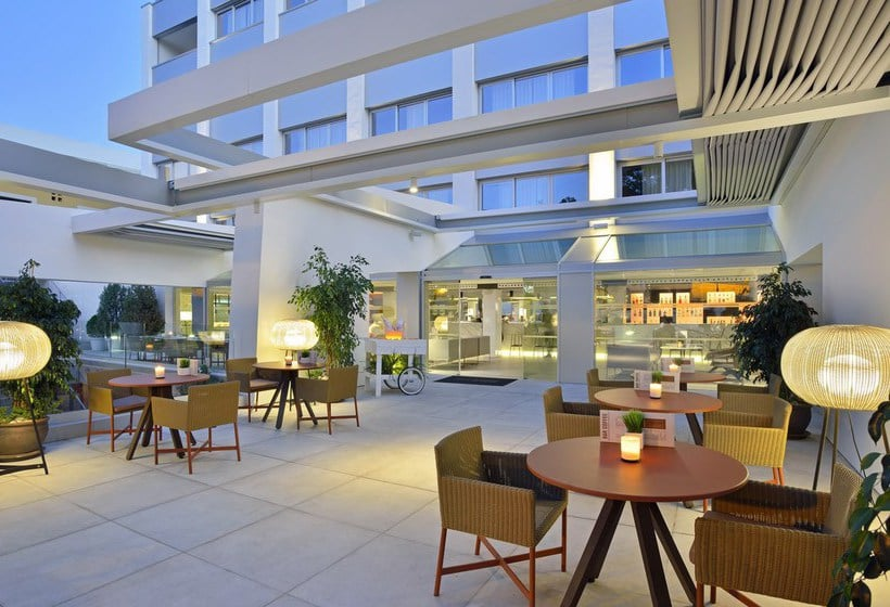 Outside Hotel Tryp Palma Bosque