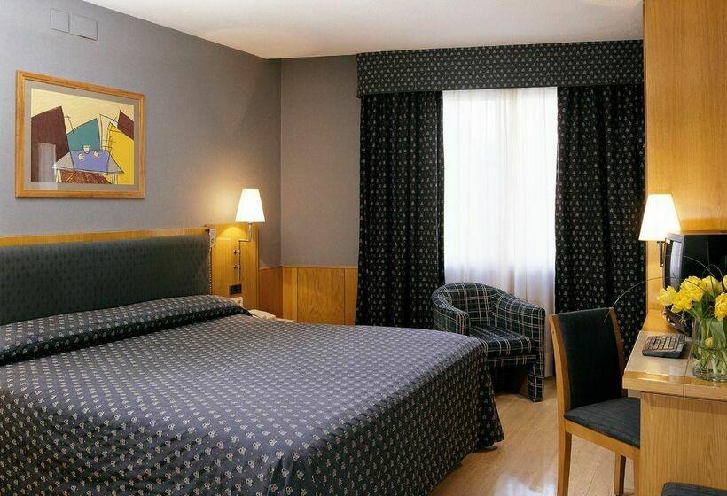 Hotel NH Belagua Barcelona