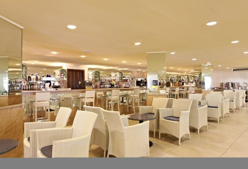 Cafeteria Hotel Marconfort El Greco - All Inclusive Cala Portinatx