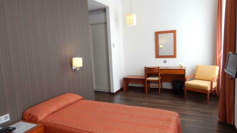 hotel francia cadiz: