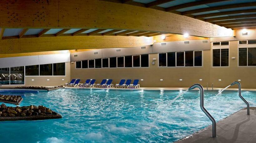 Arnoia caldaria hotel balneario en arnoia destinia for Balneario de fortuna precios piscina