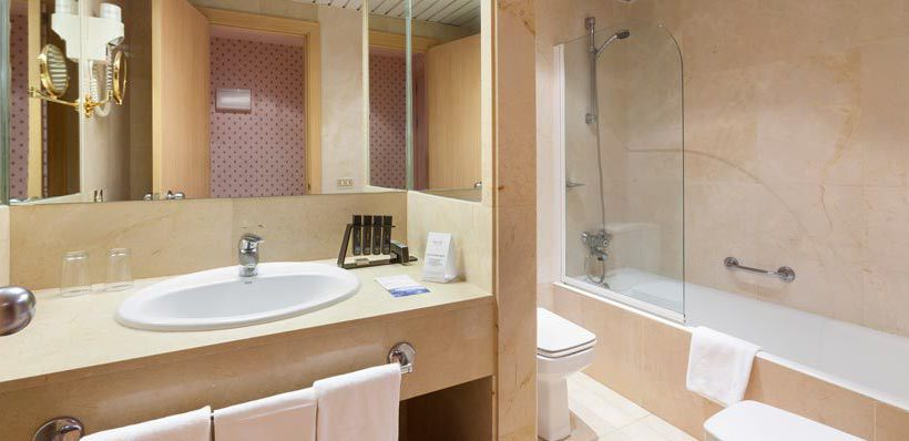 Bathroom Hotel Meliá Tamarindos San Agustin