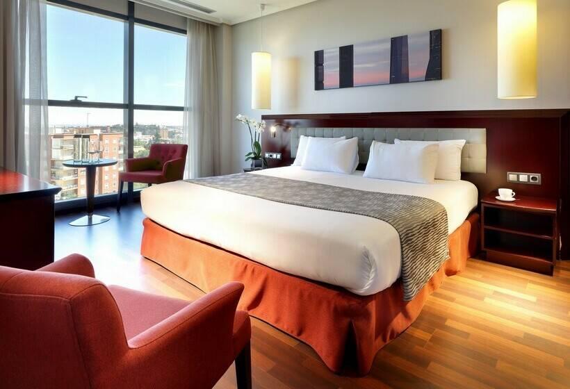 Room Hotel Via Castellana Madrid