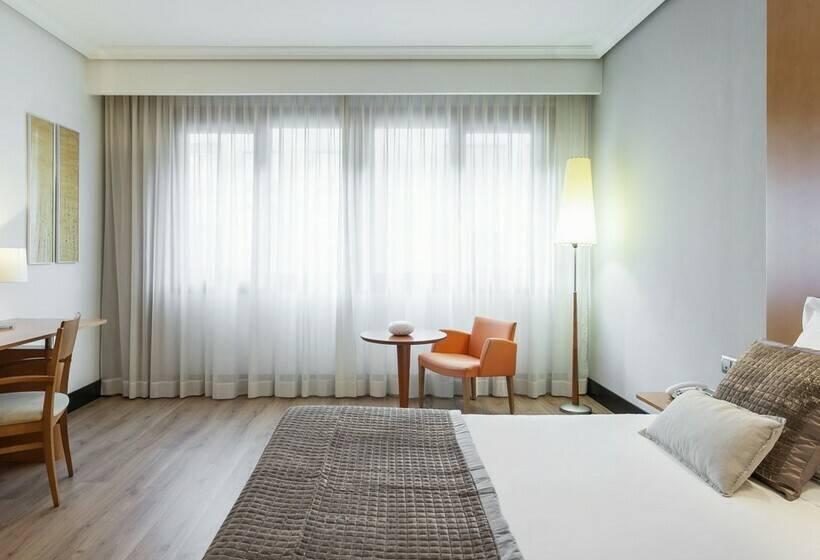 Hotel ilunion bilbao en bilbao desde 33 destinia for Hoteles familiares en bilbao