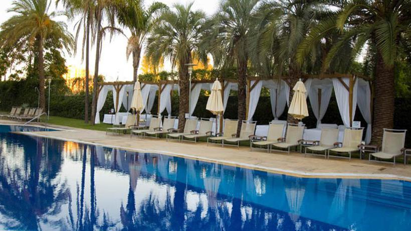 Swimming pool Hotel Silken Al-Andalus Palace Seville