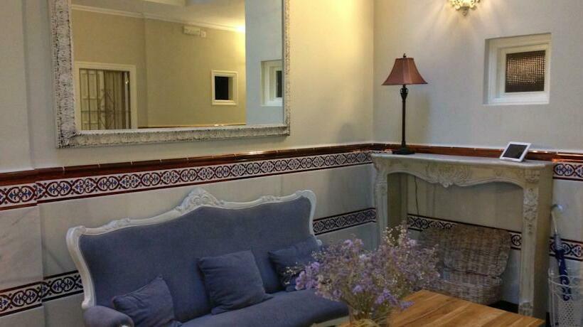 Common areas Inn Le Petit Paris Seville