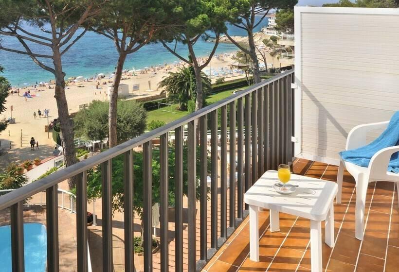 Terrace Hotel GHT Xaloc Platja d'Aro
