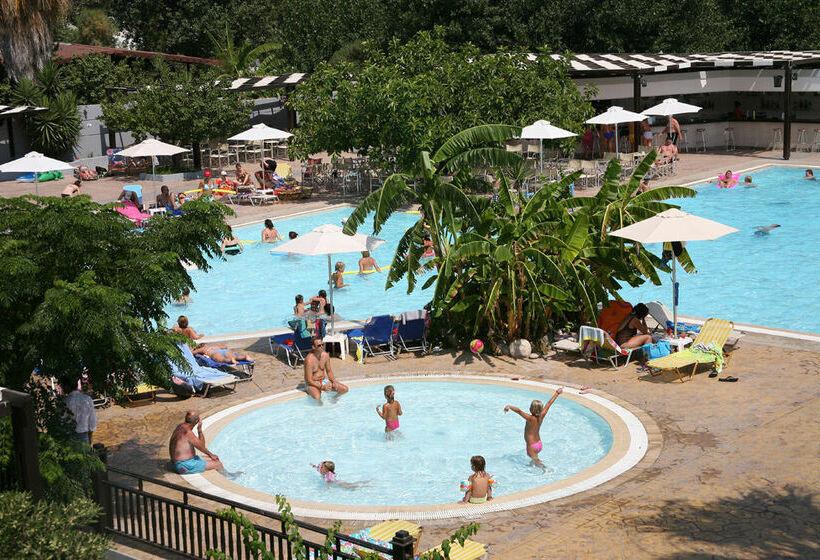 Hotel economici a psalidi a partire da 24 destinia for Piccoli piani bungalow