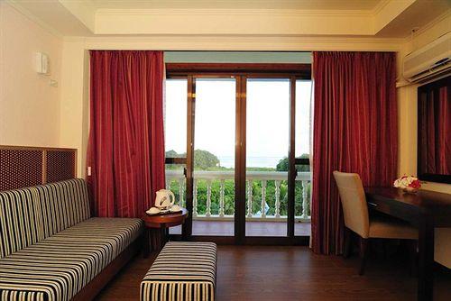 Airai Water Paradise Hotel & Spa Koror