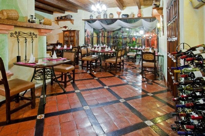 Hotel flamboyant san cristobal en san crist bal de las for Azulejos express san cristobal casas