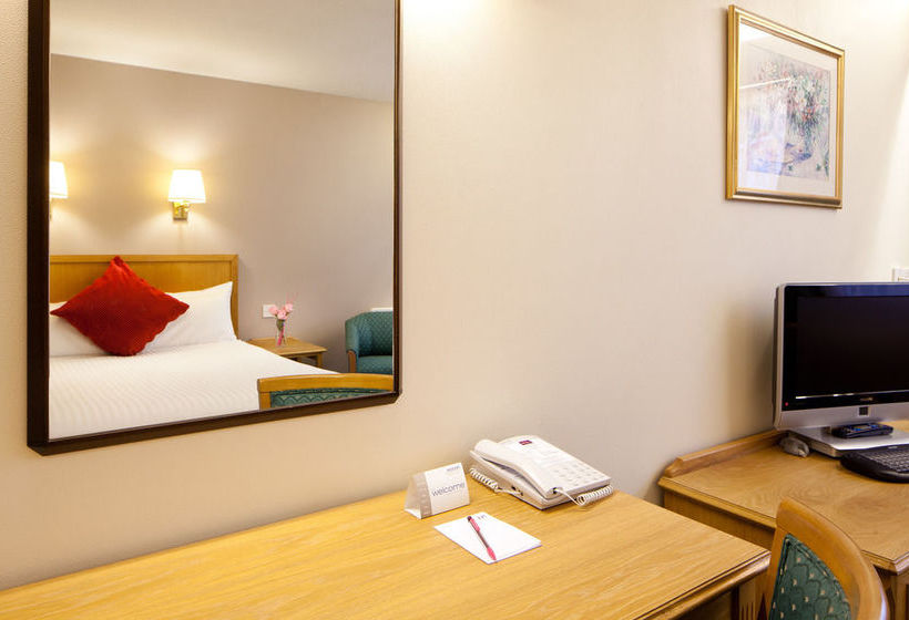 Hotel Mercure Livingston