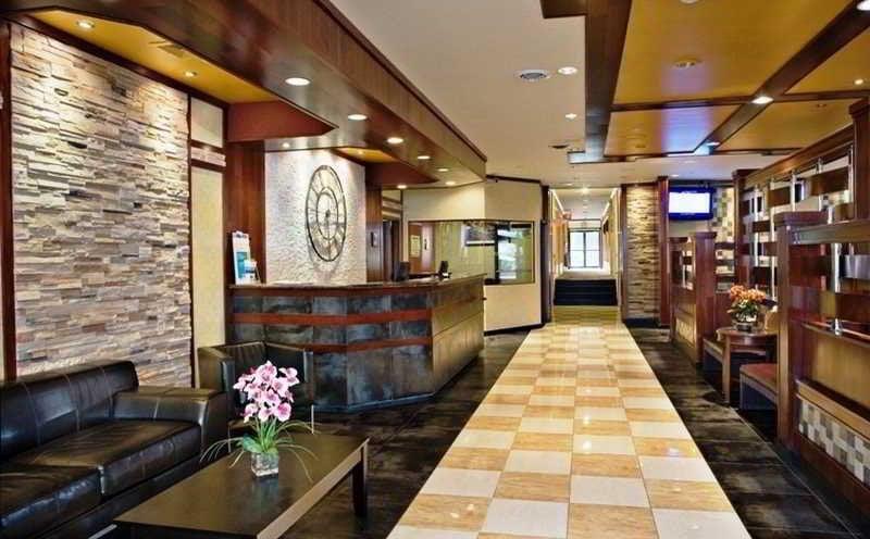 Clarion Hotel La Guardia Airport East Elmhurst