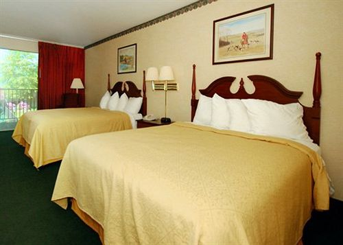 هتل Quality Inn & Suites Burnham