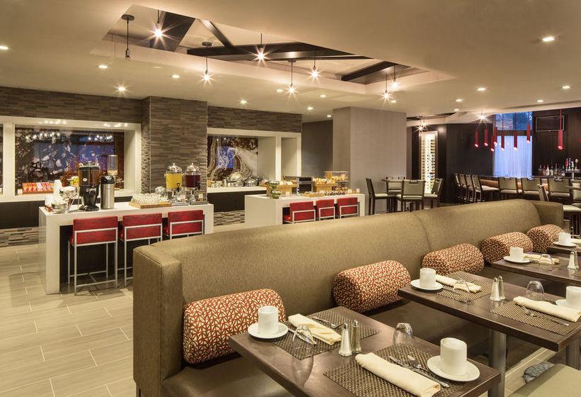 Radisson Hotel Largo