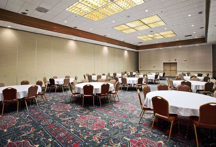 Hotel Ramada Conference Center Salina
