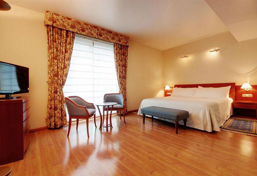 هتل Tryp Rey Pelayo Gijon