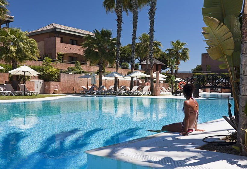 Swimming pool Islantilla Golf Resort