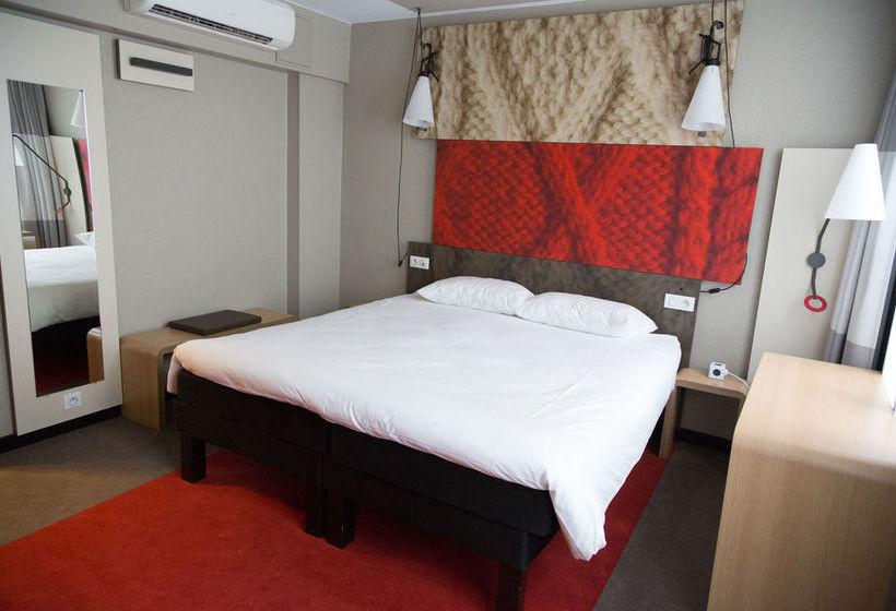 hotel ibis paris grands boulevards opera 9 me en par s destinia. Black Bedroom Furniture Sets. Home Design Ideas