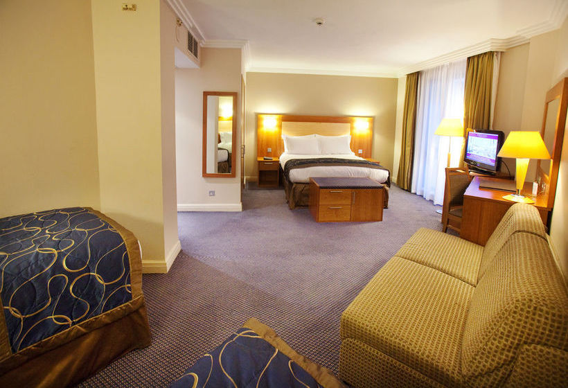 هتل Sofitel London Gatwick Crawley
