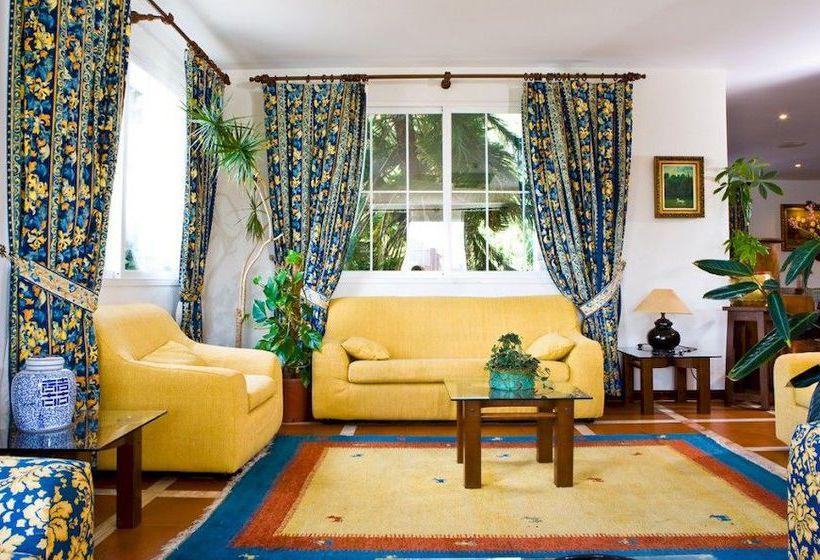 Aparthotel Punta Cabicastro Portonovo