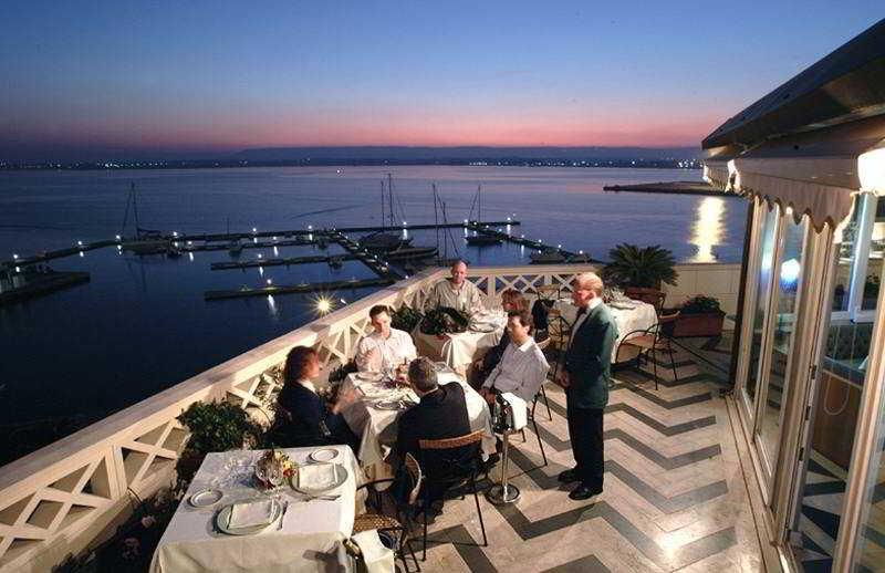 Grand hotel ortigia a siracusa a partire da 50 destinia for Hotels in ortigia
