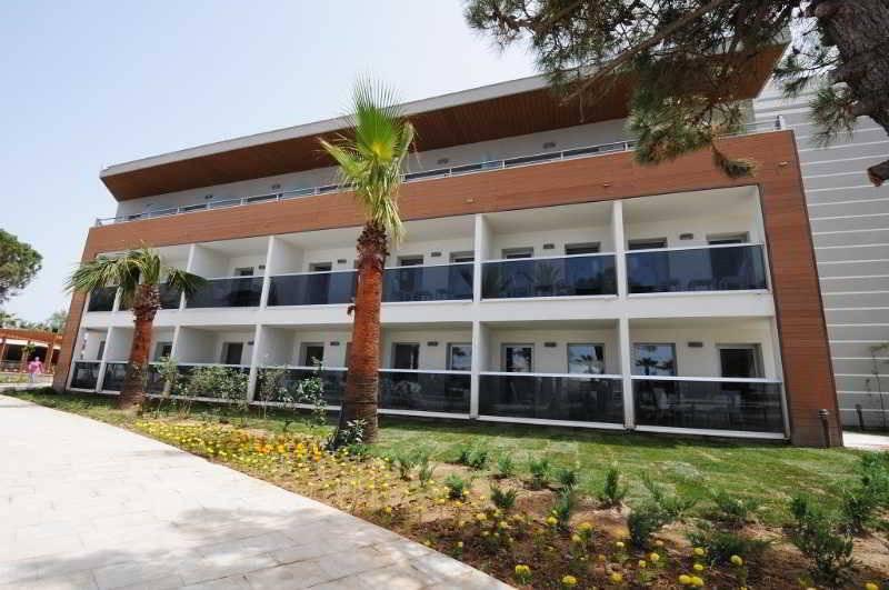 Kusadasi Hotels on The Beach Hotel Palm Wings Kusadasi
