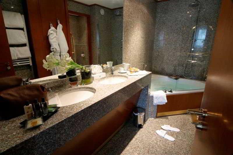 Hotel Goldstar Resort & Suites Nice
