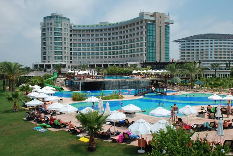 Outside Hotel Sherwood Breezes Resort Antalya
