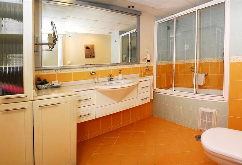 Bathroom Hotel The Residence Gayrettepe Istanbul