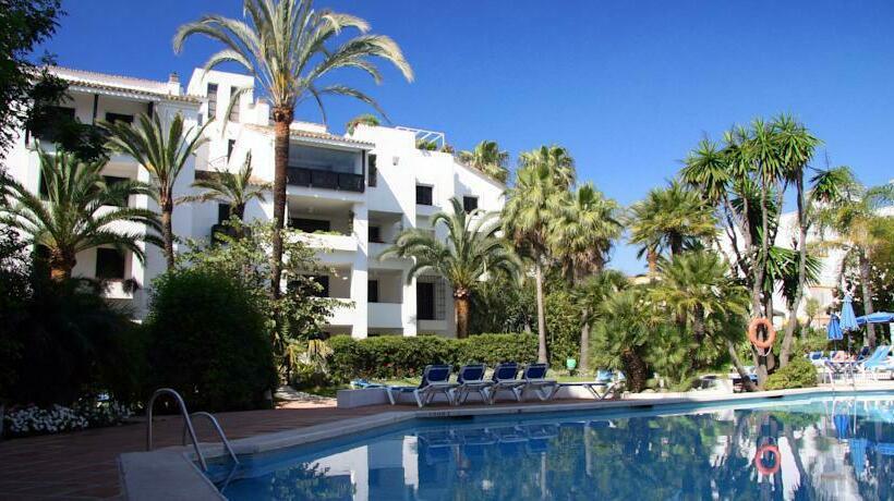 apartamentos jardines las golondrinas marbella