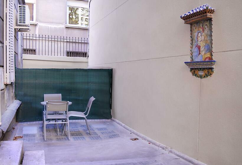 Apartamentos Blume Conde Aranda Madrid