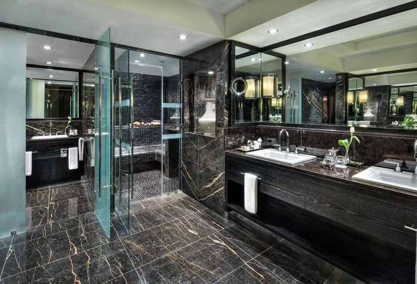 Bathroom Hotel Fairmont Nile City Cairo