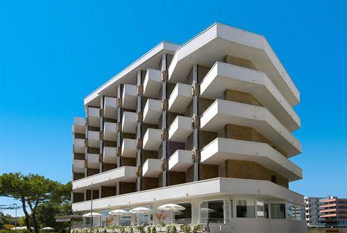 Hotel Acapulco Cattolica