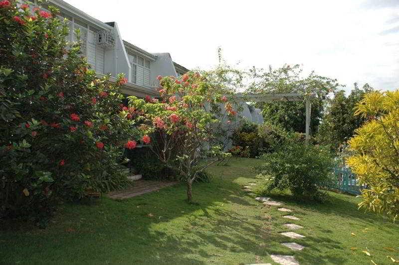 Hotel Gardens Of Liganeau Kingston