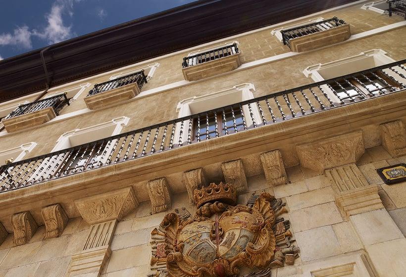 Hotel Palacio Guendulain Pamplona