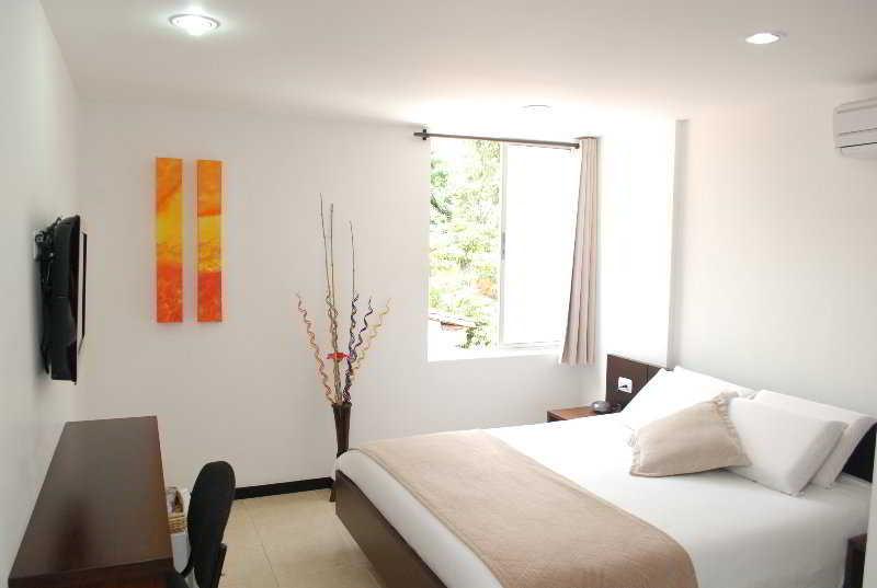 Hotel Plaza Granada Medellin