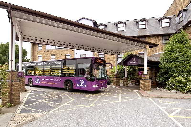 هتل Premier Inn Gatwick Airport Central