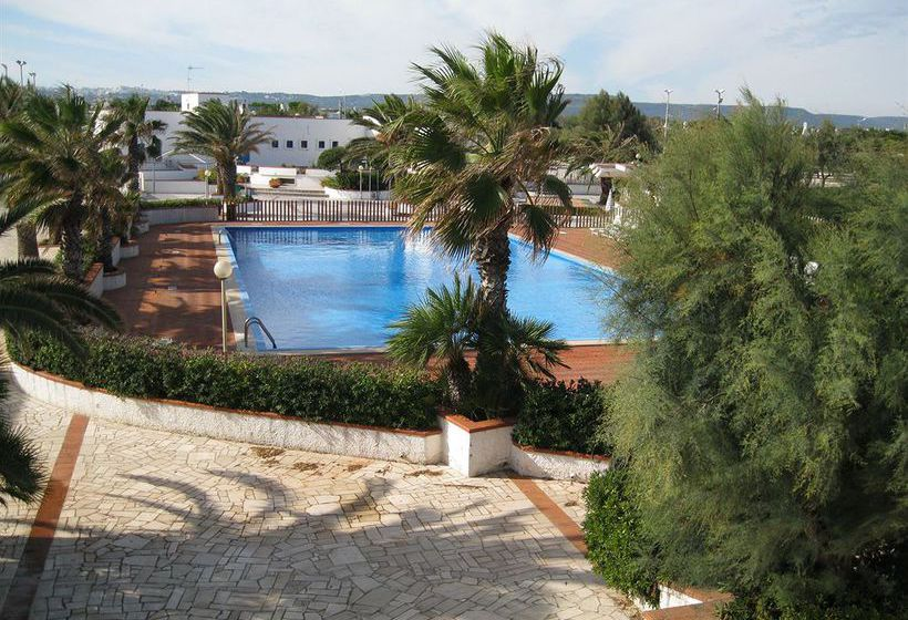 Swimming pool Hotel Residence Fontanelle Ostuni