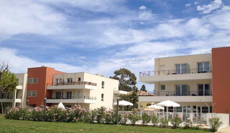 Outside Hotel Comfort Suites Cannes Mandelieu Mandelieu la Napoule