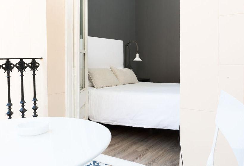 Hostel Hostal Two Pillows Barcelona