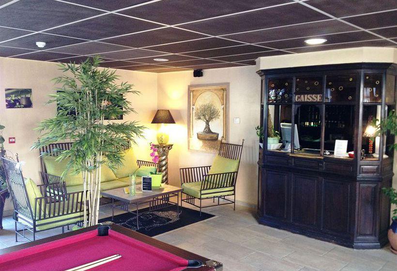 Hotel Apartamentos Le Village Provencal Pertuis