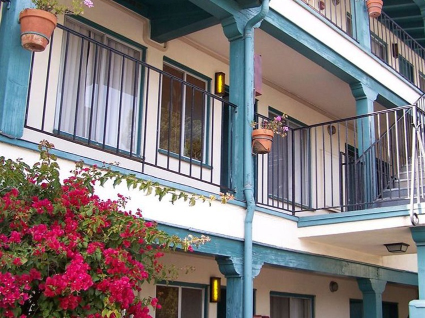 Hotel Fiesta Inn And Suites Santa Barbara