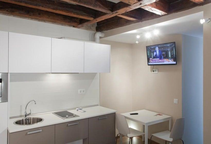 Cocina Sol Square Apartments Madrid