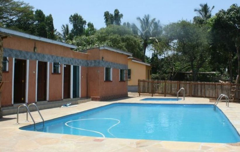 Hotels in kisii hotels at the best price with destinia for Hotels in kisumu with swimming pools