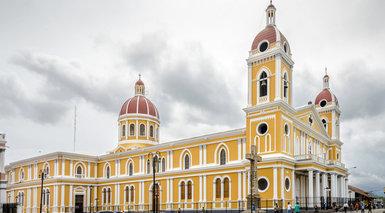 Plaza Colon  Granada Nicaragua - Granada